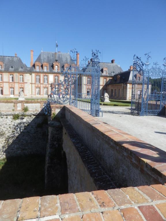 Le château de Breteuil Imgp1245