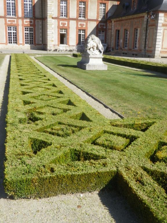 Le château de Breteuil Imgp1246