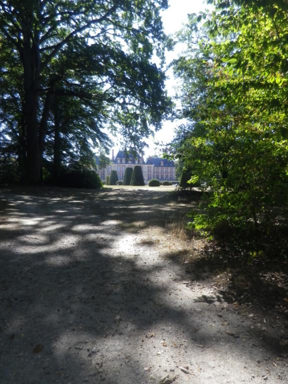 Le château de Breteuil Imgp1271