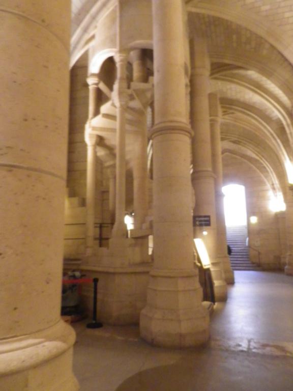 La cellule de Marie-Antoinette à la Conciergerie   - Page 6 Imgp1751