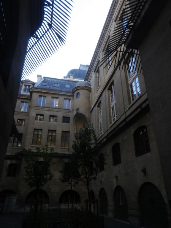 La cellule de Marie-Antoinette à la Conciergerie   - Page 6 Imgp1760