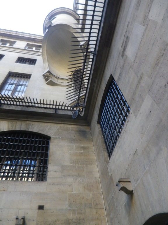 La cellule de Marie-Antoinette à la Conciergerie   - Page 6 Imgp1761