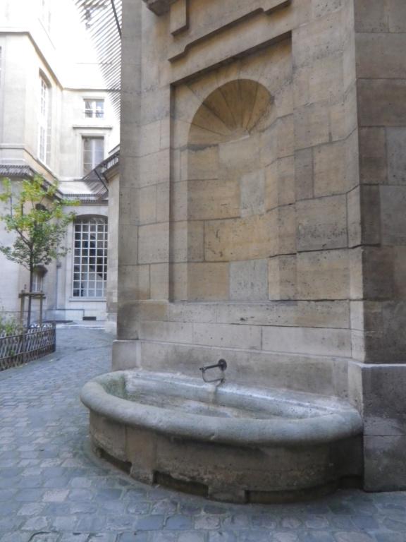 La cellule de Marie-Antoinette à la Conciergerie   - Page 6 Imgp1762