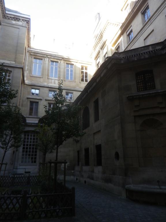 La cellule de Marie-Antoinette à la Conciergerie   - Page 6 Imgp1764