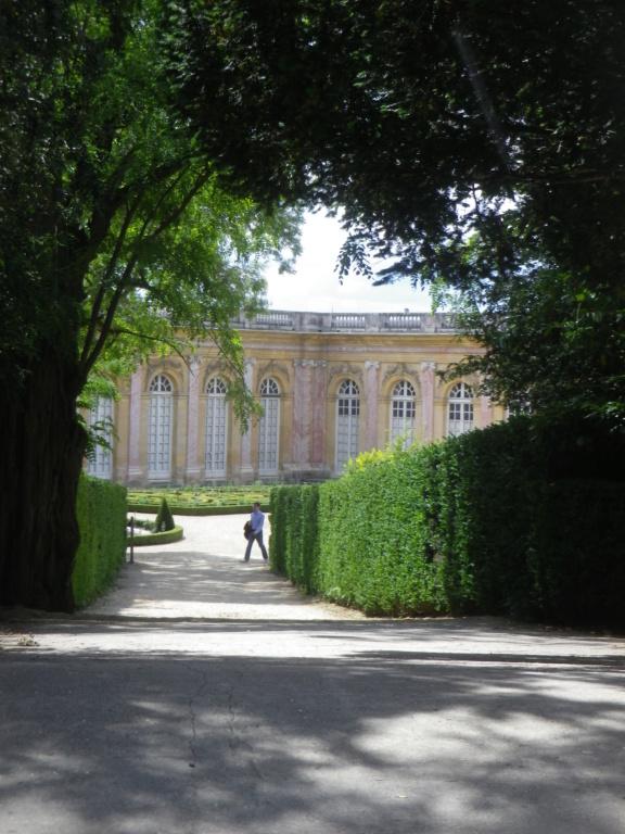 Le Grand Trianon - Page 2 Imgp1983