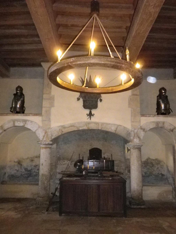 A 30 km au sud de Lyon,  le château de Septème Imgp2698