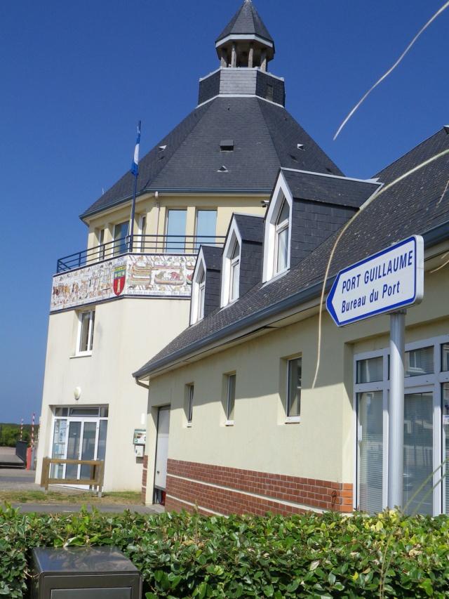 En Normandie,  Dives-sur-mer et la Maison Bleue Imgp3046