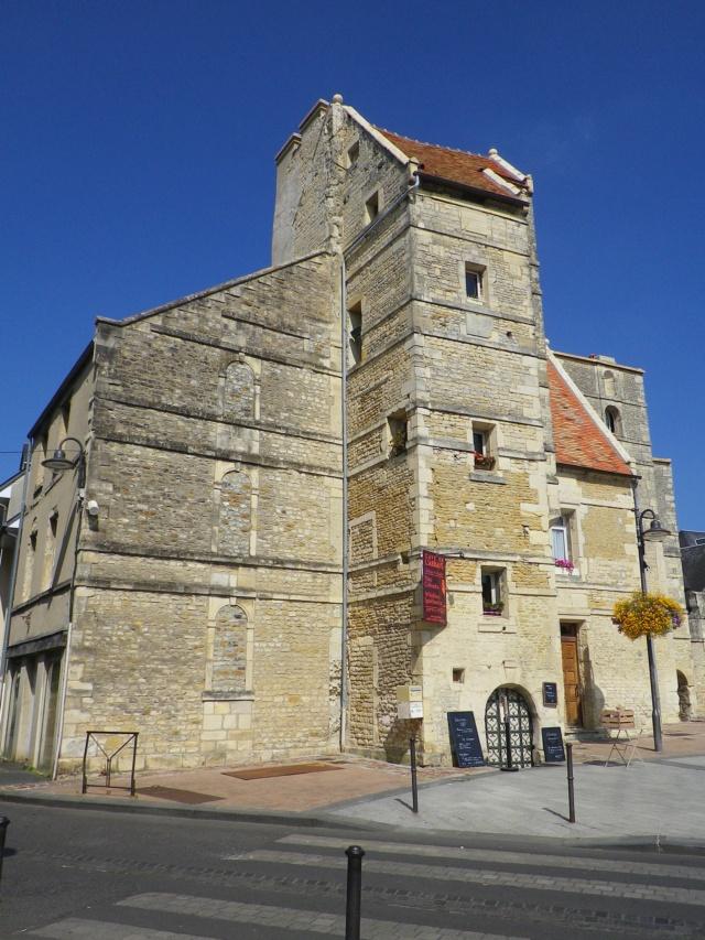 En Normandie,  Dives-sur-mer et la Maison Bleue Imgp3056