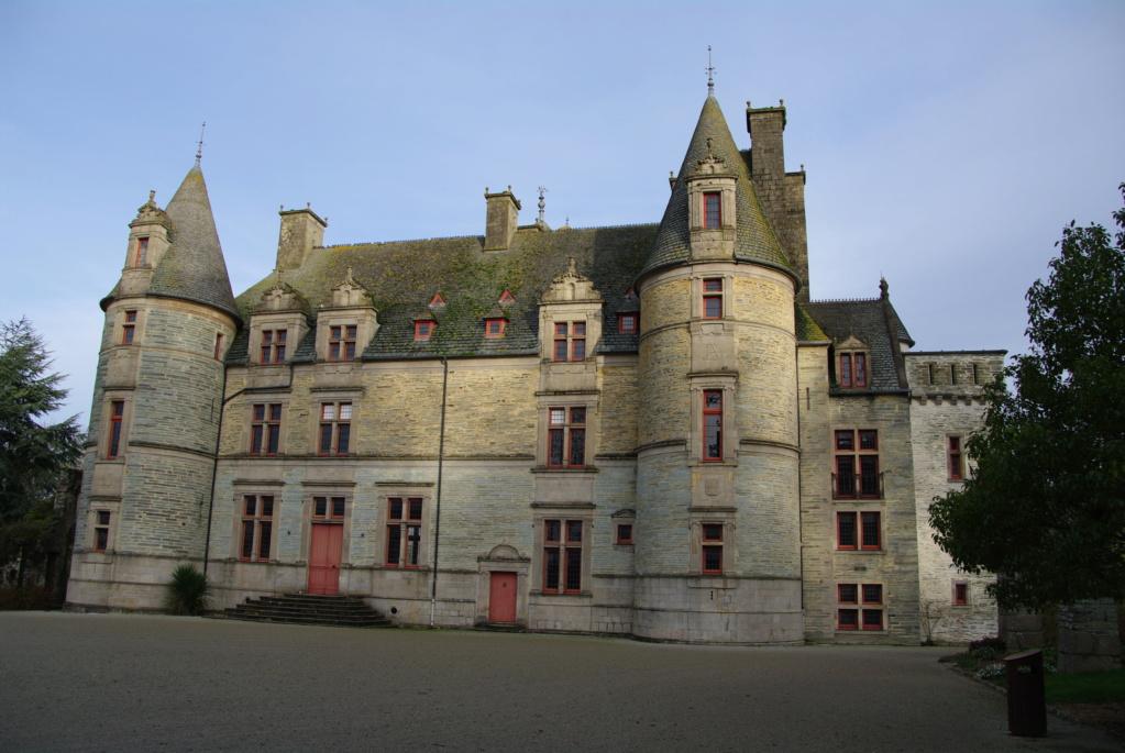 Le château des Ravalet,      et Tocqueville ... Imgp4314
