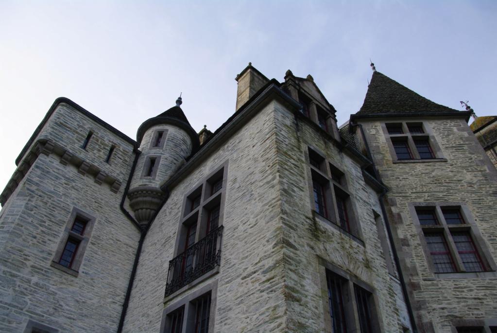 Le château des Ravalet,      et Tocqueville ... Imgp4316