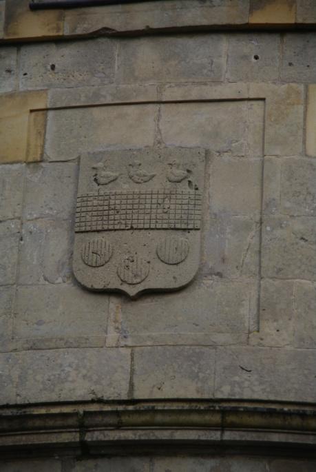 Le château des Ravalet,      et Tocqueville ... Imgp4322