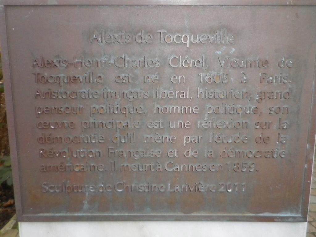 Le château des Ravalet,      et Tocqueville ... Imgp4422