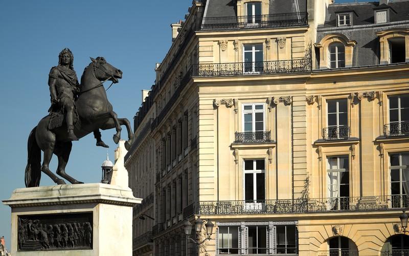 Vandalisme révolutionnaire, les statues des rois abattues Visite15