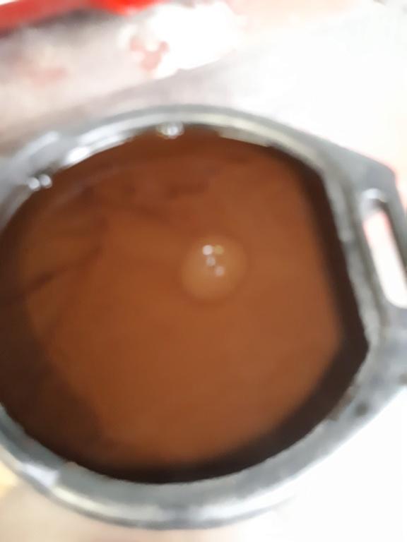 Vidange huile couleur brun chocolat  20210510