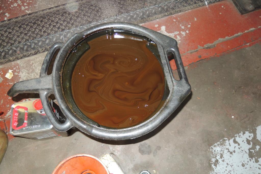 Vidange huile couleur brun chocolat  Dscn4111