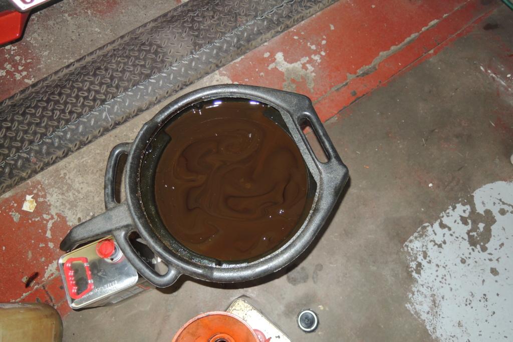 Vidange huile couleur brun chocolat  Dscn4112