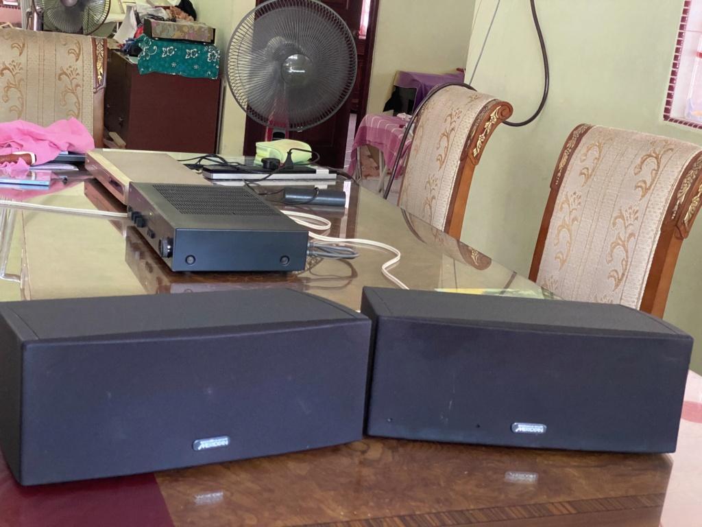 Meridian Digital Active Bookshelf Speakers; Pair DSP33 96/24 02213710
