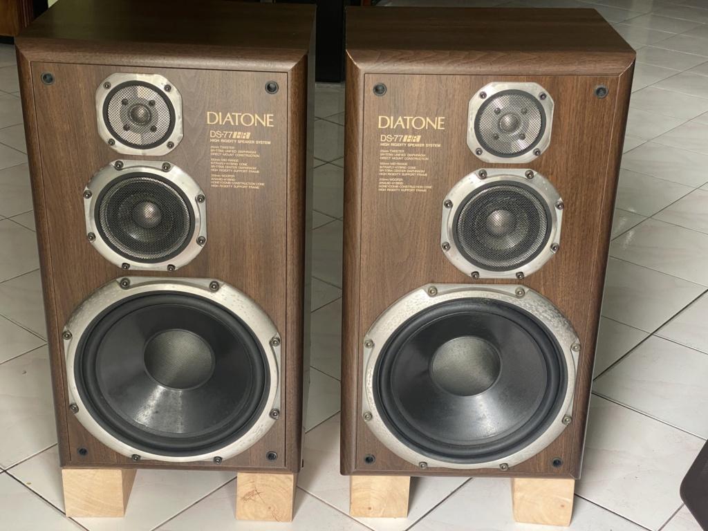 DIATONE DS-77HR sealed box speakers  89f01010