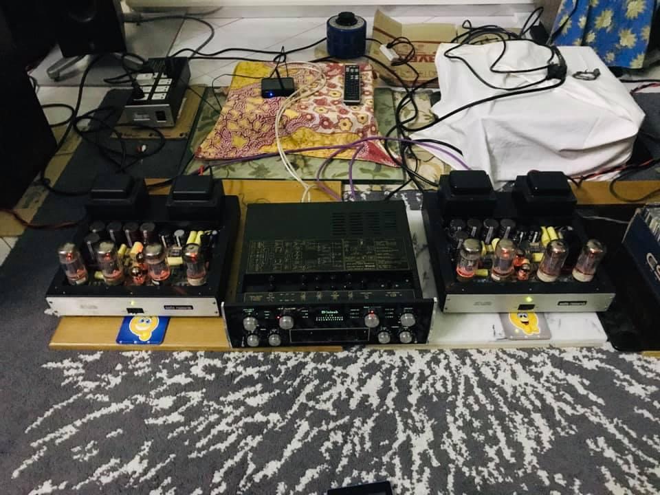 McIntosh pre amp & Audio Research mono block 1 pair Ar1a10