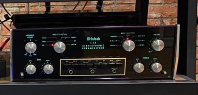 McIntosh pre amp & Audio Research mono block 1 pair Ar310