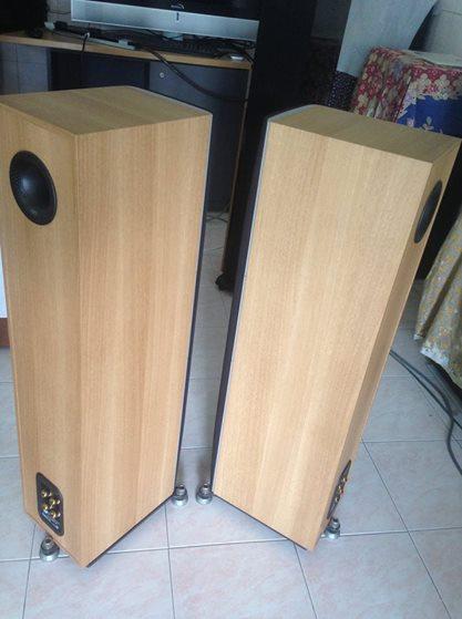 B&W DM603 S3 with BOX B610