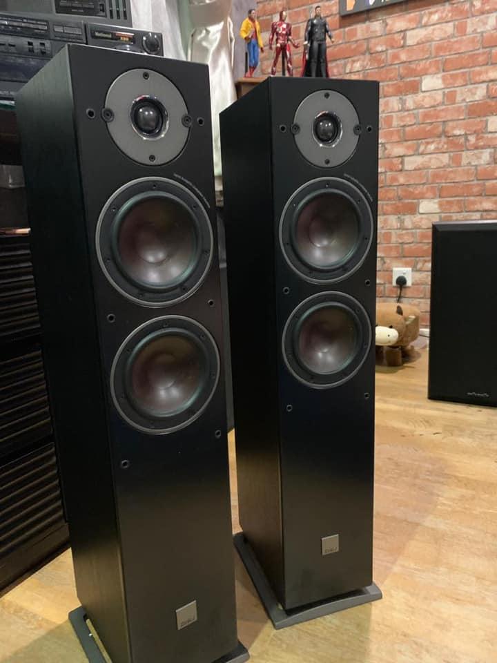 Dali Oberon 5 FloorStand Speaker mint D110