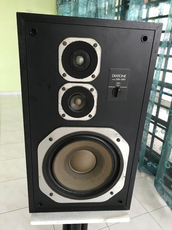 DIATONE frm Mitsubishi sealed box speakers Img_0913