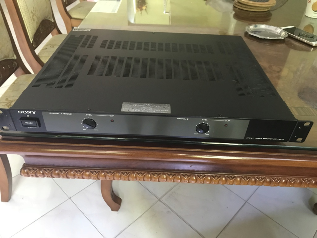 Vintage SONY SRP-P2070 studio Power Amplifier Img_3216