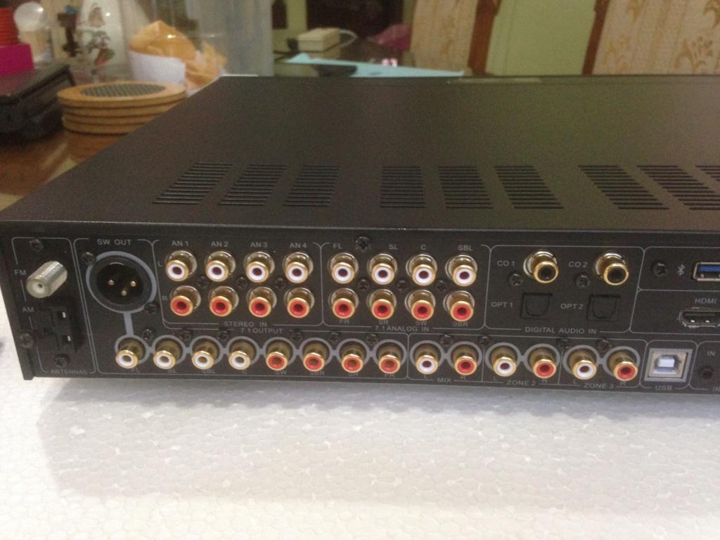 Emotiva HDMI UMC-200 7.1 channel A/V pro n pre amp( precision crafted) Img_6411