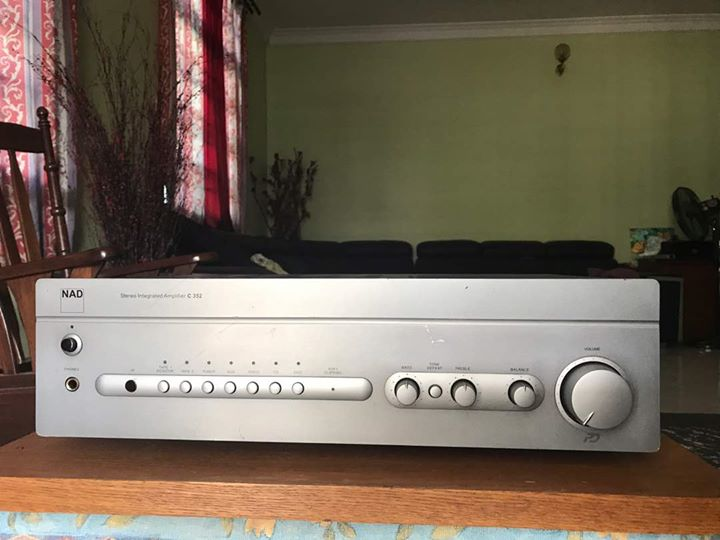 NAD C352 integrated stereo amplifier (SOLD) N110