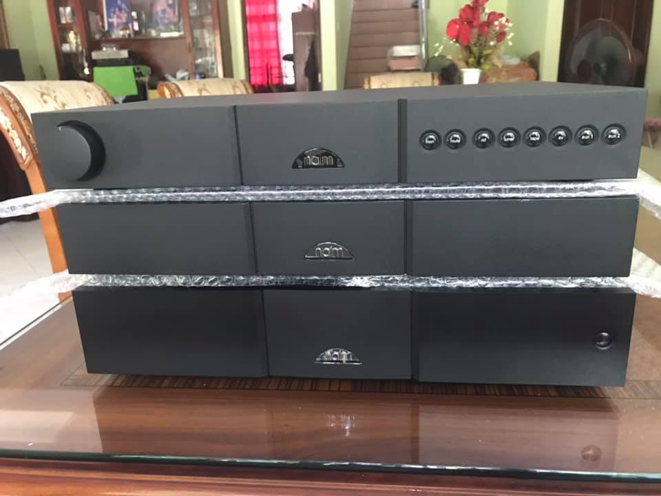 Naim NAC pre122x & power NAP200n flat cap 2x MINT condition N113