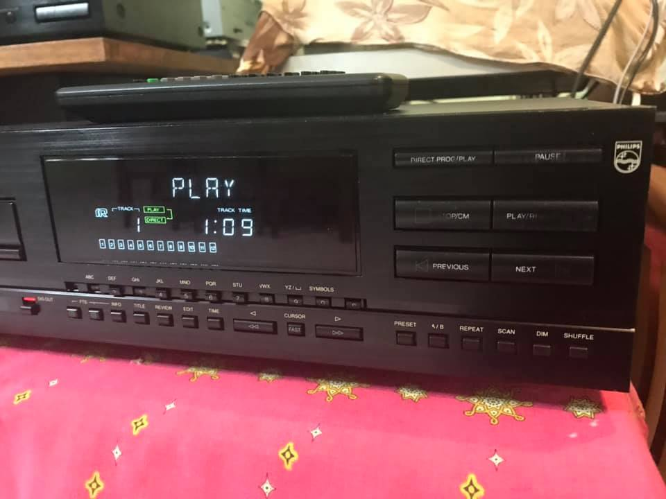 Philips 850mkii  top line Belgium made cd player  P121
