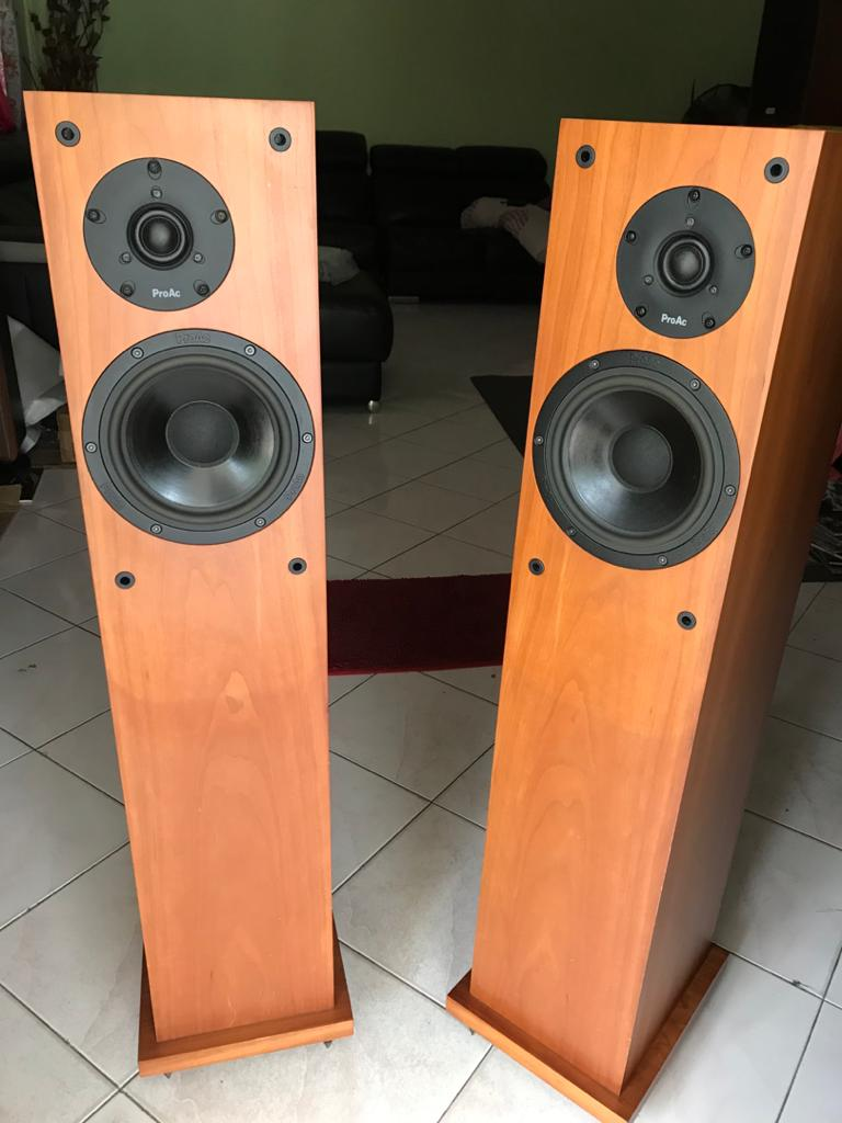 Stunning ProAc Studio 130 Floor Standing Speakers - Great Condition  P217