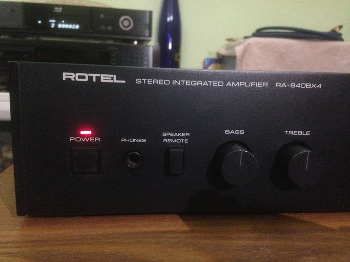 ROTEL RA-840BX4 Integrated Stereo Amplifier R310