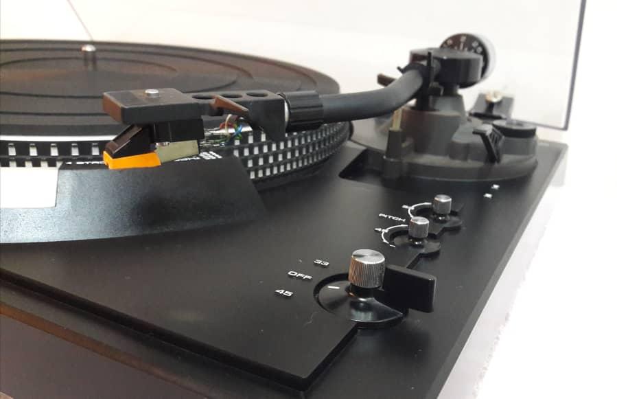 Technics SL-2000 Turntable ( SOLD) T510