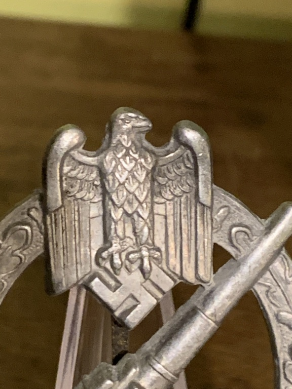Badge flak  951d3010