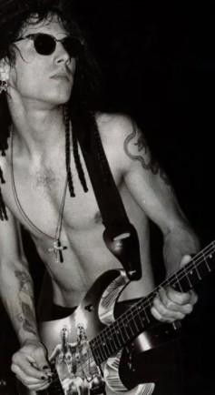 Tus fotos favoritas de los dioses del rock, o algo - Página 9 Dave_n10