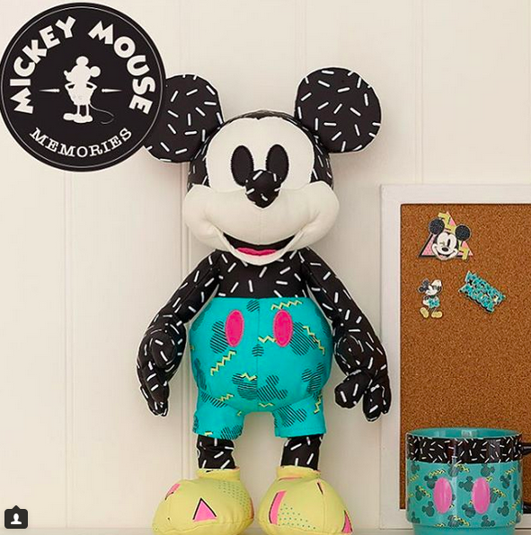 """Mickey Mouse Memories Collection (""""Souvenirs de Mickey Mouse"""") - Page 2 Mickey13"""