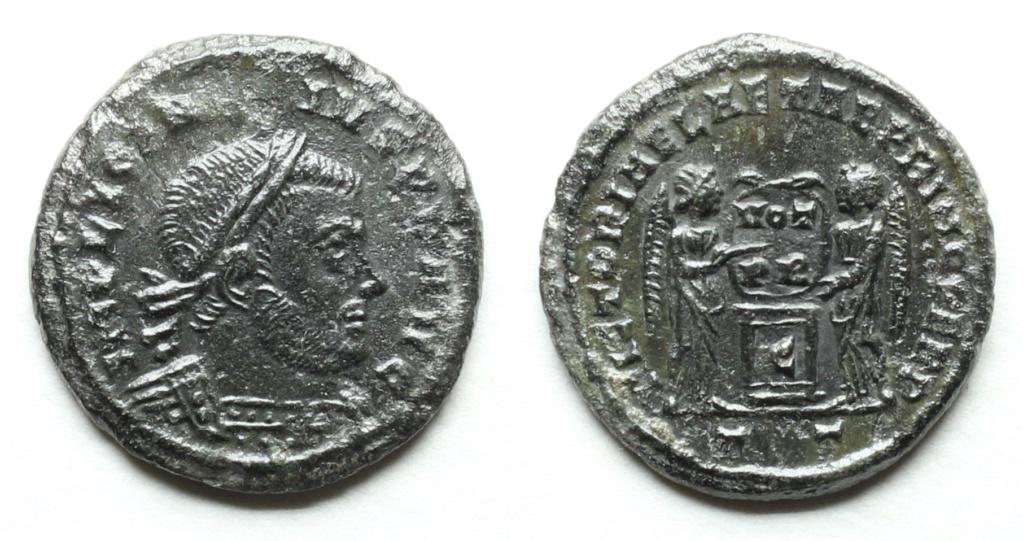 Licinius I  - Page 4 Img_7419