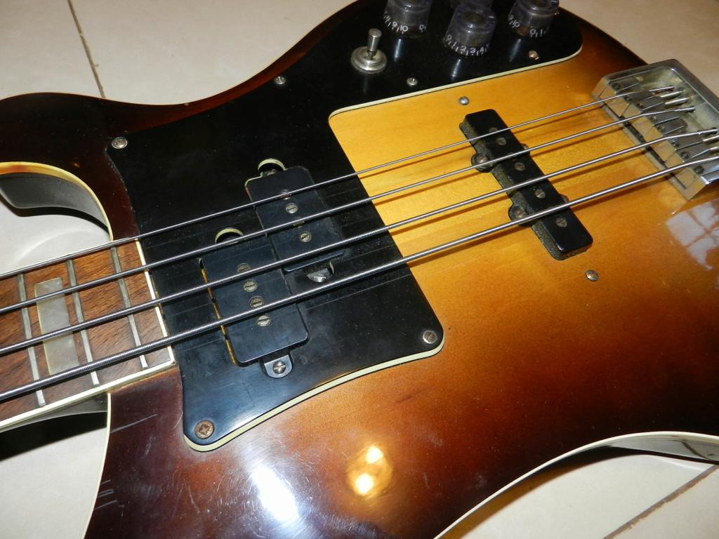 Jolana D Bass - O Rickenbacker do Leste! Jolana12