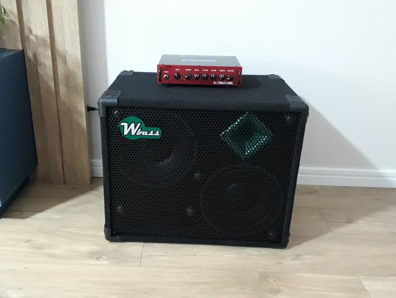 Roland Cube 60XL x TC Electronic BG-250 208 - Dilema bom! Wbass212