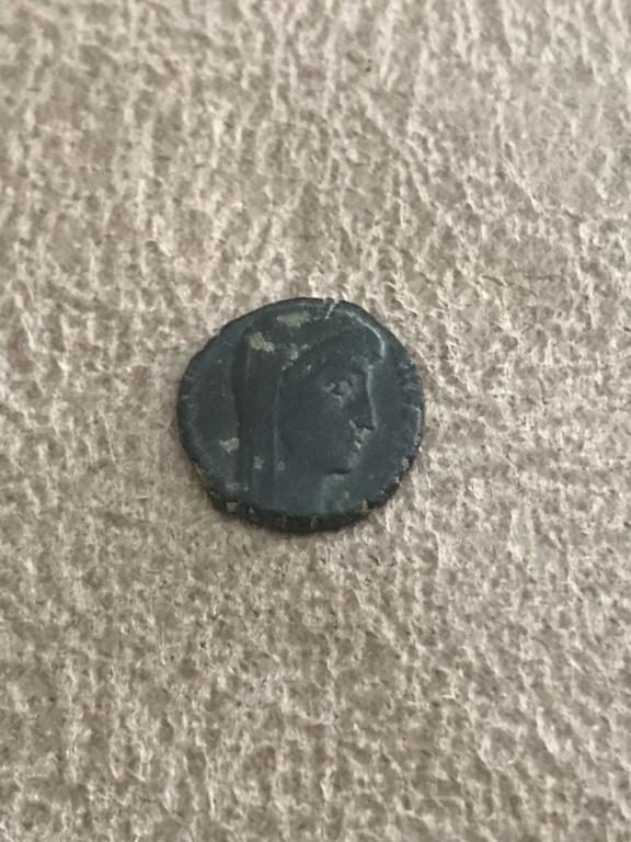 AE4 póstumo de Constantino I. VN - MR. Cycico 03e39310