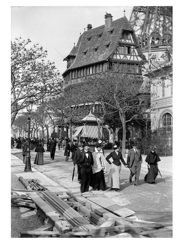 Exposition Universelle. Tour Eiffel 1889. Sans1099