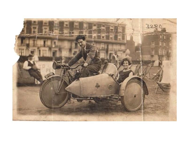 SIDE CAR ancien  Sans_455