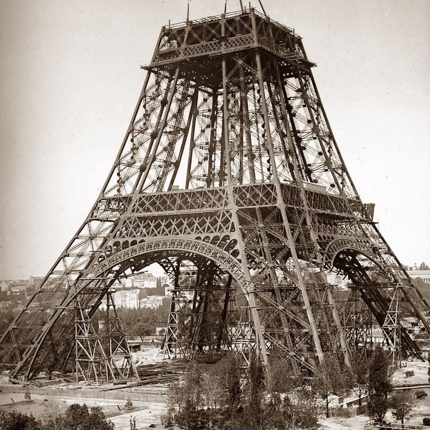 Exposition Universelle. Tour Eiffel 1889. Sans_646