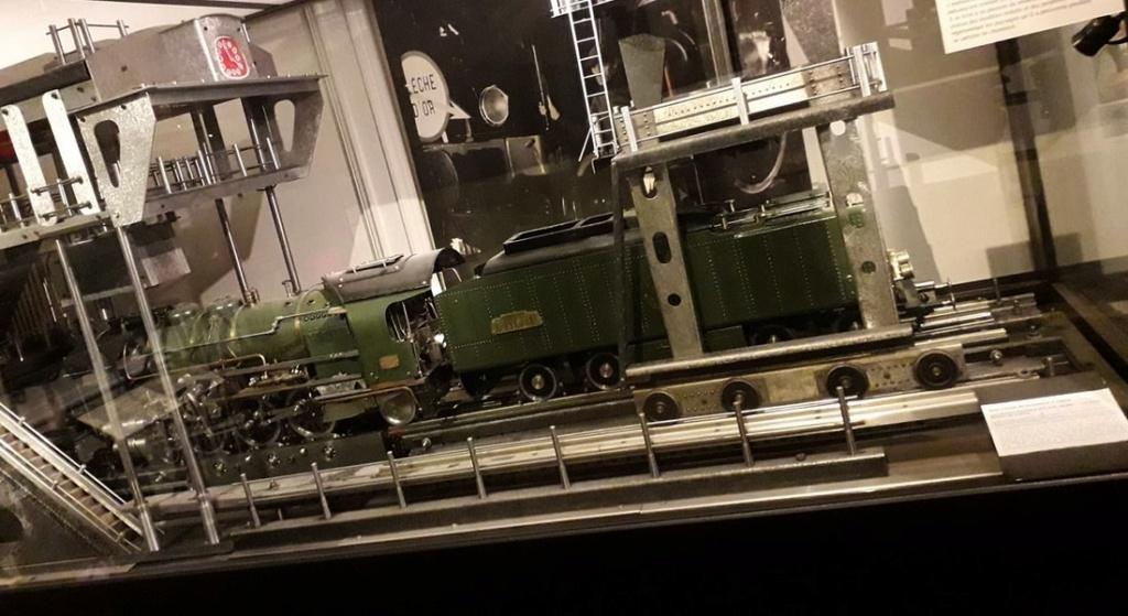 Une ancienne formation qui a permis de conduire le train du trieux ... Sans_t94
