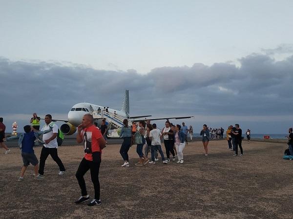 Bomb alarm during take-off from Fuerteventura 51599-10