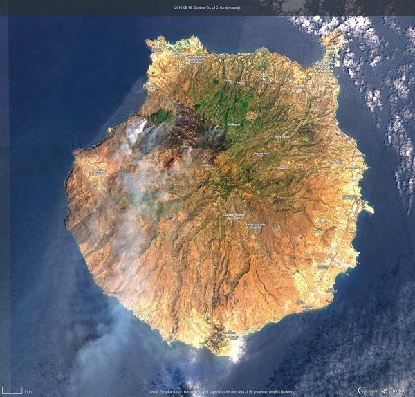 Gran Canaria fire is diminishing 51709-10