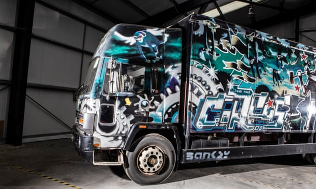 Graffiti-covered Banksy truck to be auctioned  6720_w10
