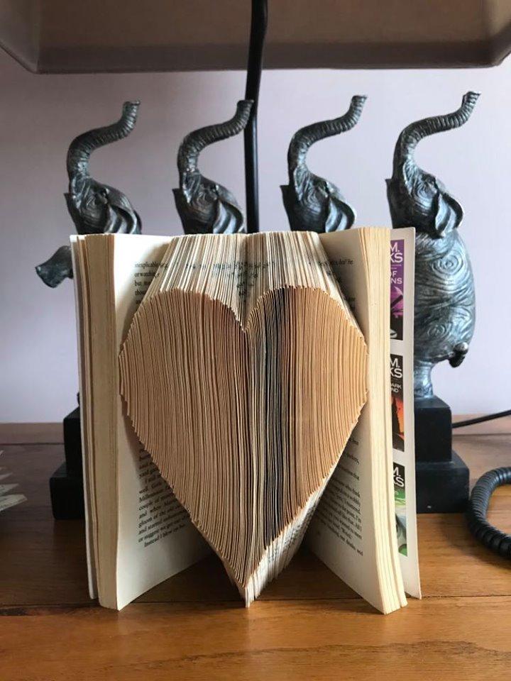Book Folding. 91261610